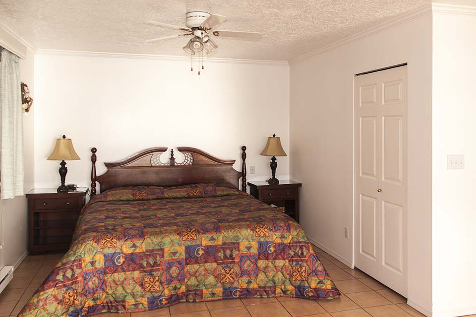 King Size Bed in Cottage 3